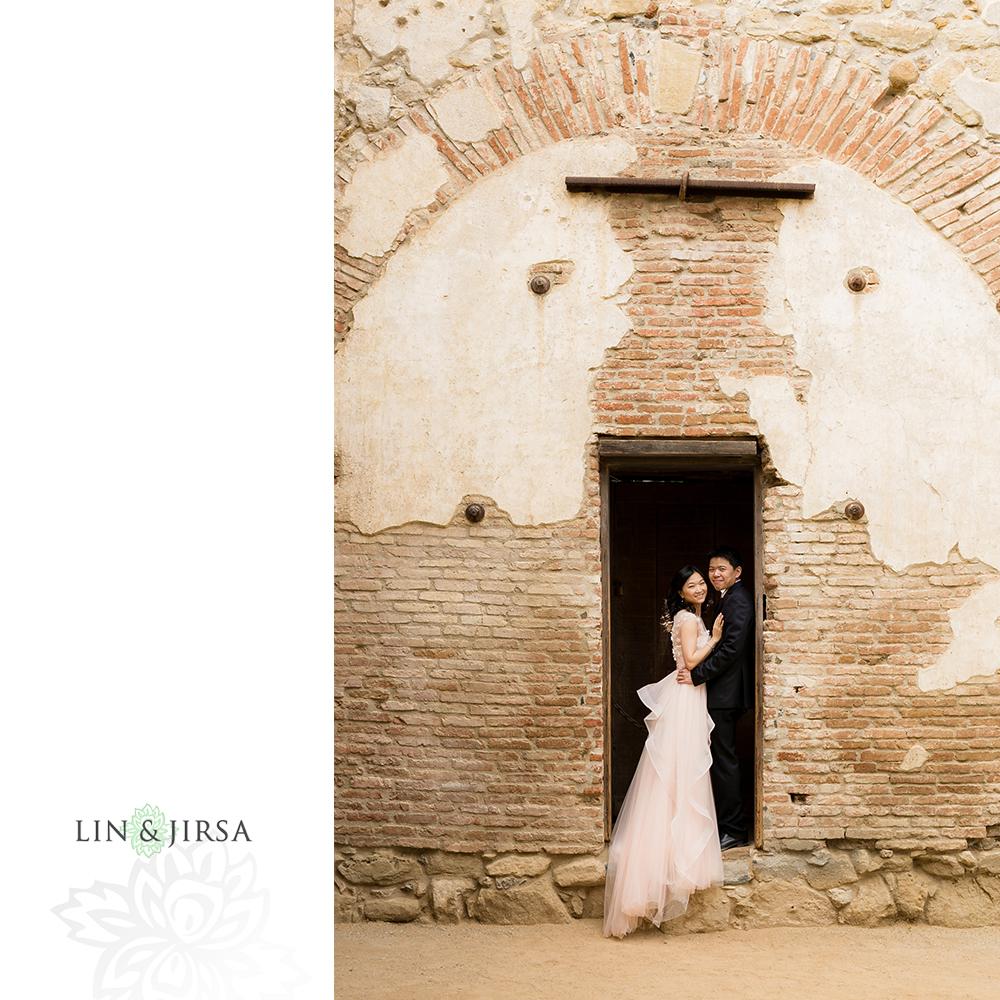 02-Crystal-Cove-San-Juan-Capistrano-Engagement-Photography