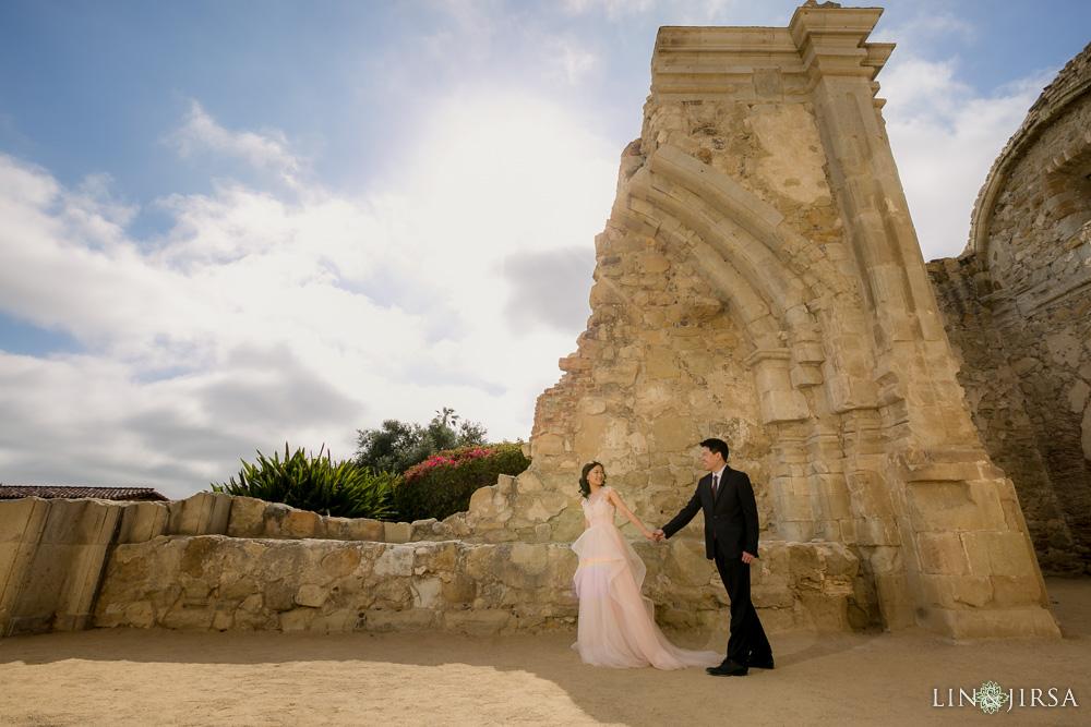 03-Crystal-Cove-San-Juan-Capistrano-Engagement-Photography
