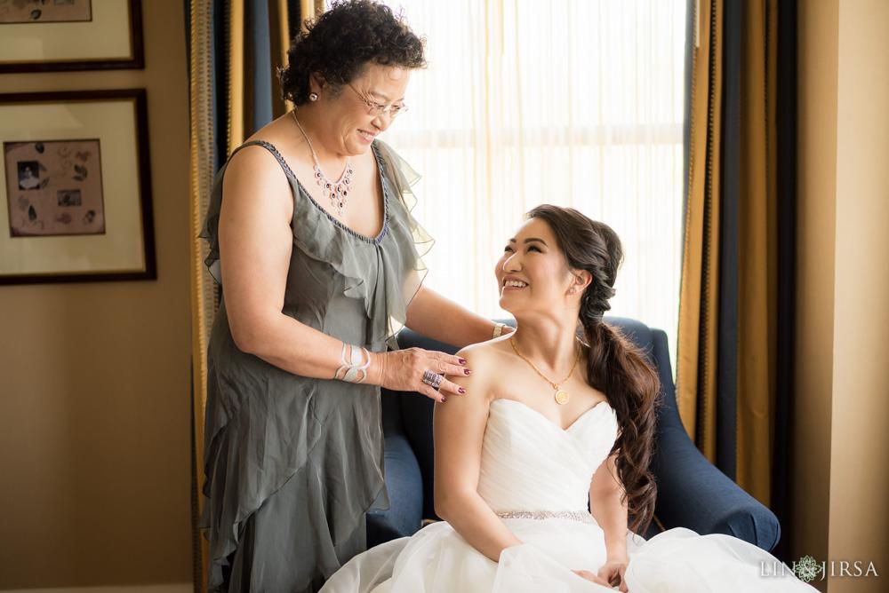 06-the-langham-pasadena-wedding-photographer-getting-ready