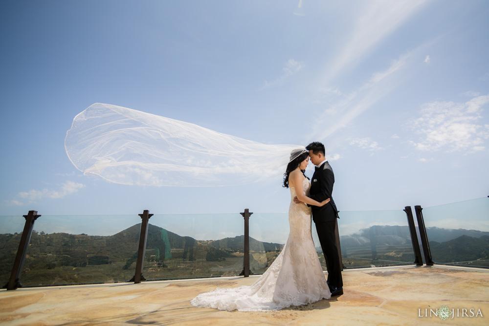 Malibu rocky oaks estate vineyards wedding maggie patrick for Malibu rocky oaks wedding price