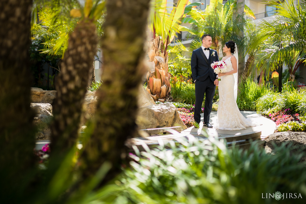 16-Hyatt-Regency-Huntington-Beach-Wedding-Photography