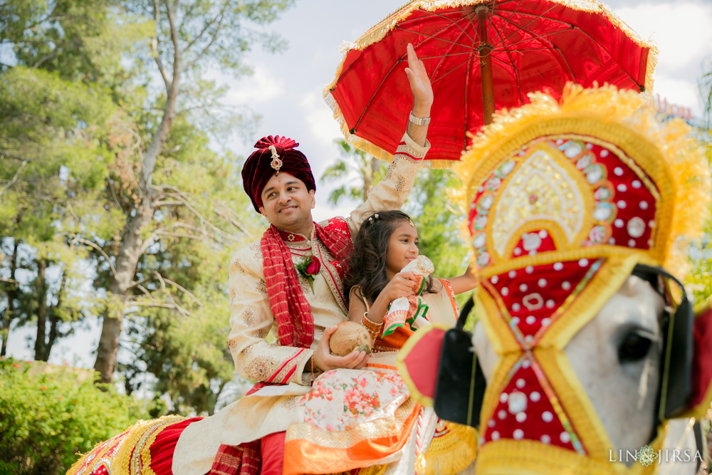 19-hilton-los-angeles-universal-city-indian-wedding-photographer-wedding-ceremony-baraat