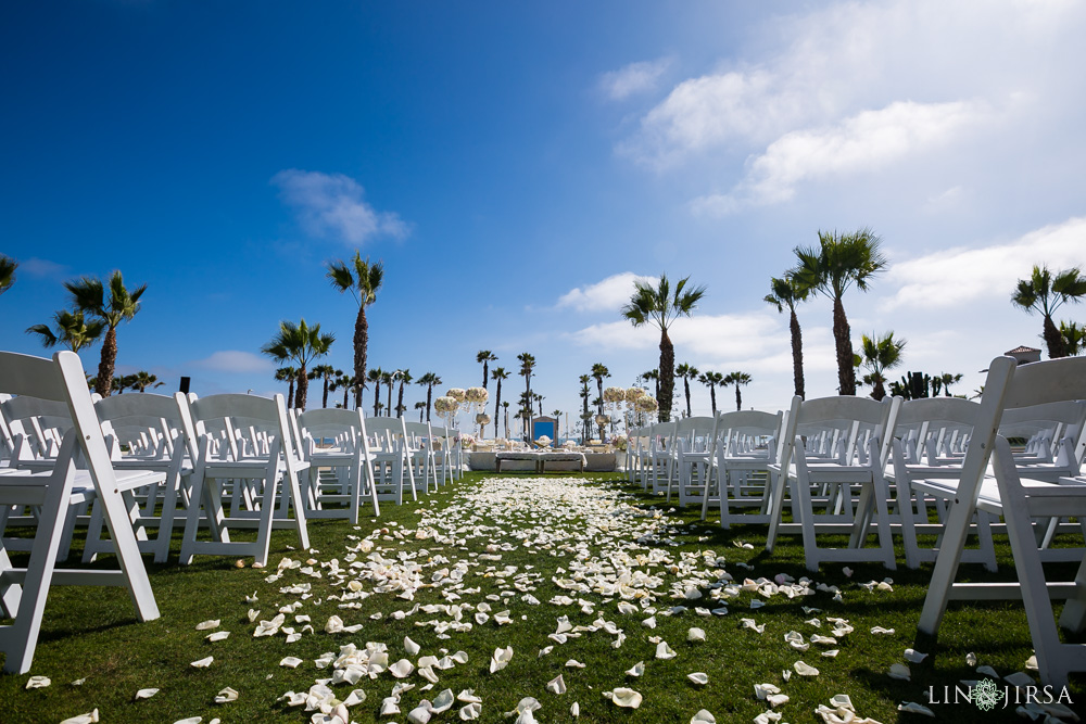 19-hyatt-huntington-beach-wedding-photographer-wedding-ceremony