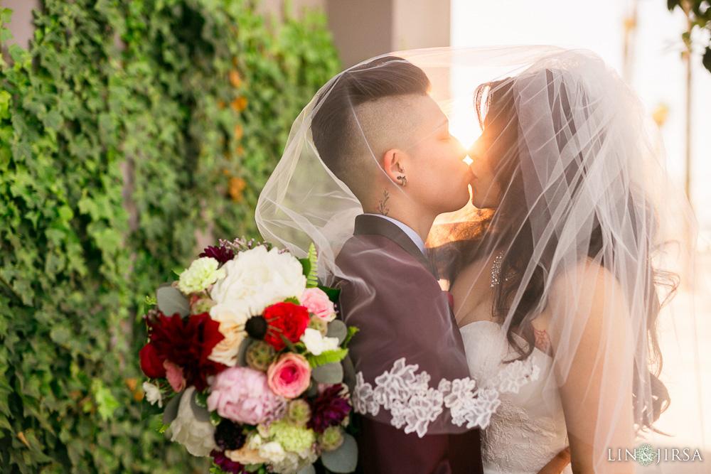 21-the-colony-house-anaheim-wedding-photographer-wedding-ceremony
