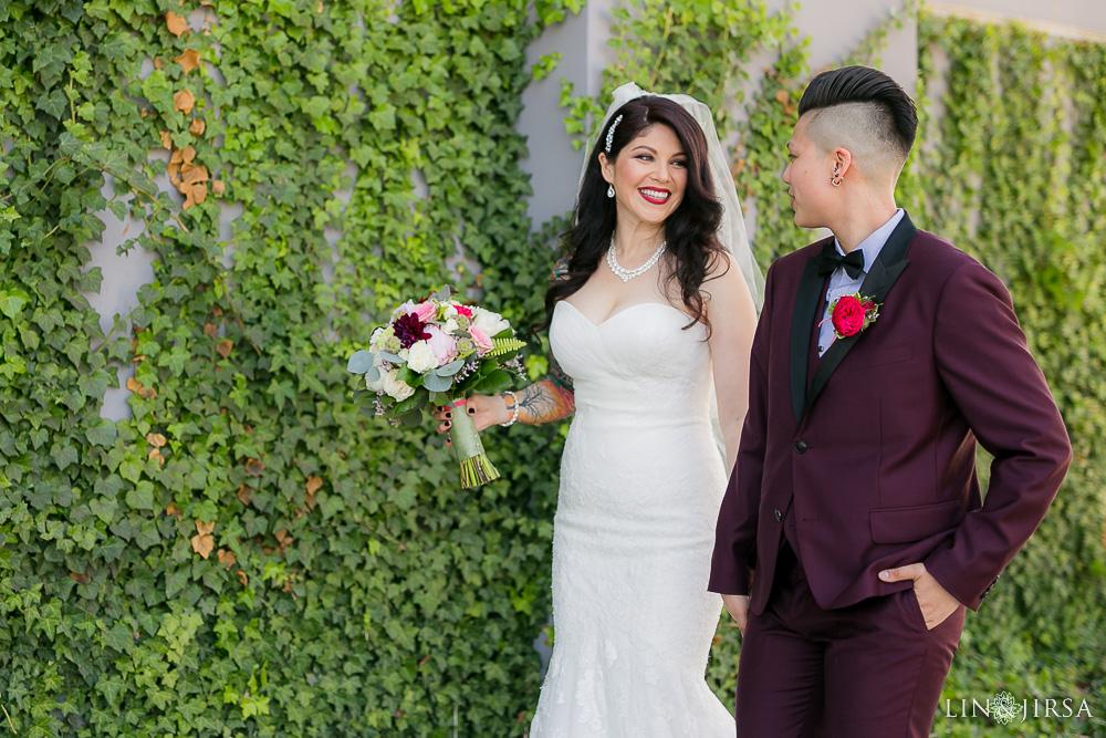 22-the-colony-house-anaheim-wedding-photographer-wedding-ceremony