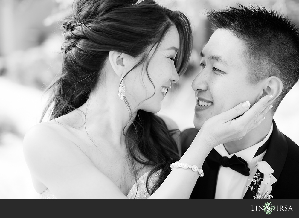 22-vellano-country-club-chino-hills-wedding-photographer-first-look-couple-session