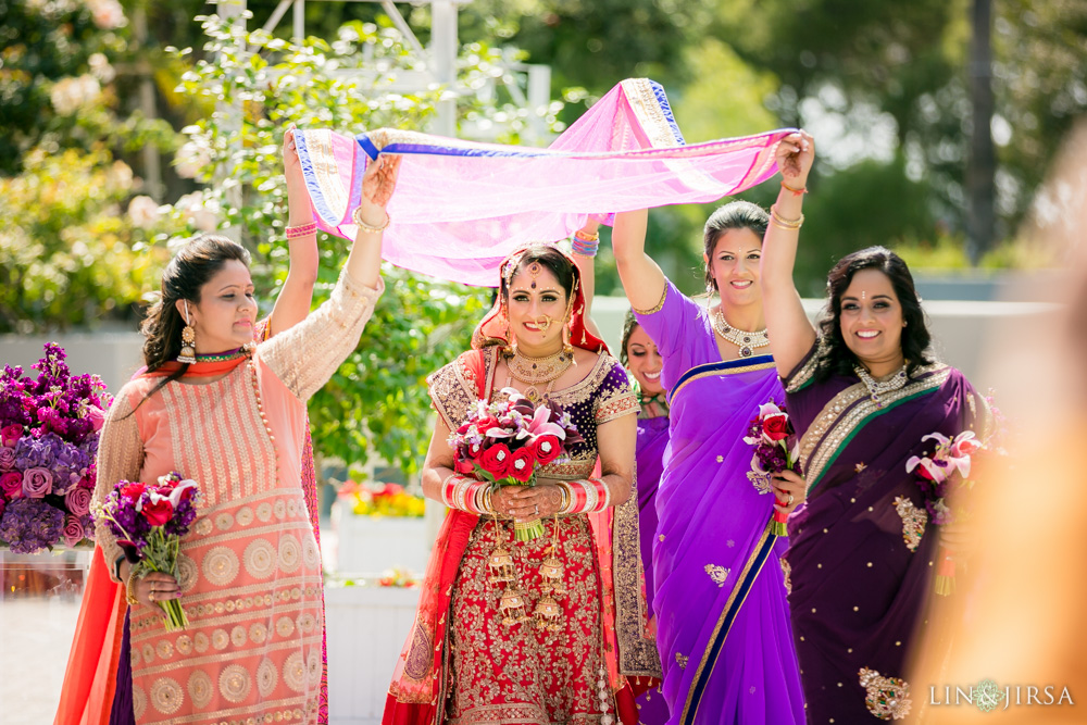 24-hilton-los-angeles-universal-city-indian-wedding-photographer-wedding-ceremony-baraat