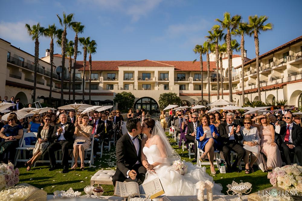 27-hyatt-huntington-beach-wedding-photographer-wedding-ceremony