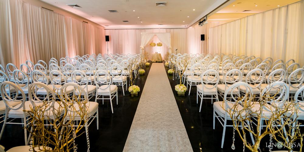 28 Venue By Three Petals Huntington Beach Wedding