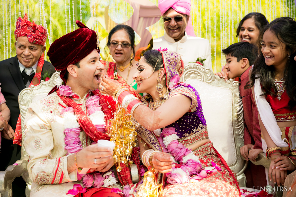 30-hilton-los-angeles-universal-city-indian-wedding-photographer-wedding-ceremony-baraat