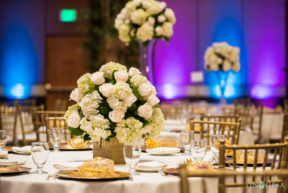 37-hilton-los-angeles-universal-city-indian-wedding-photographer-wedding-reception