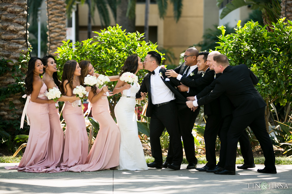 0114-hp-hilton-anaheim-wedding-photography