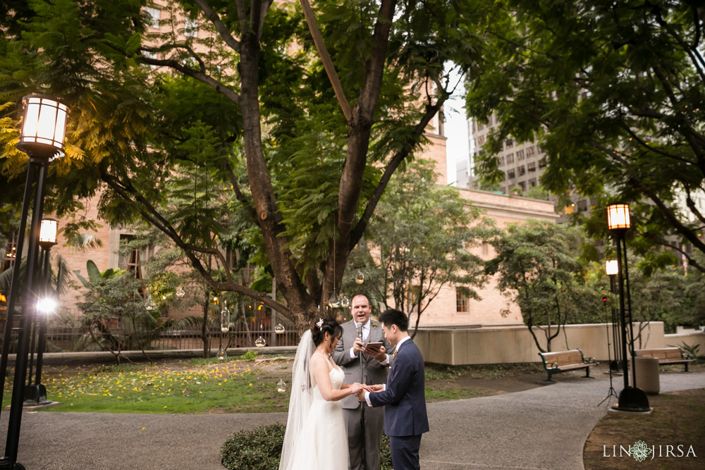 17-cafe-pinot-downtown-los-angeles-wedding-photography