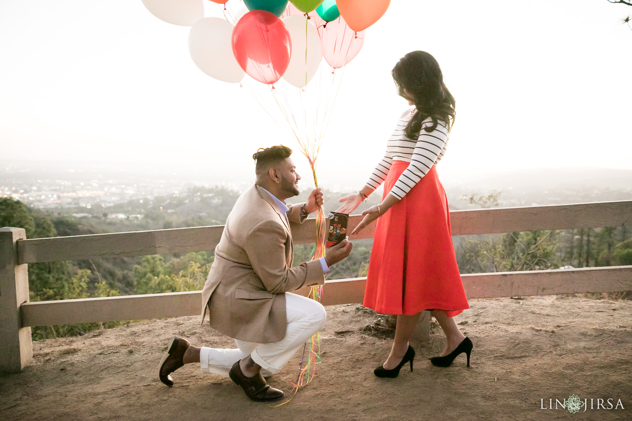 04-los-angeles-griffith-observatory-engagement-photography