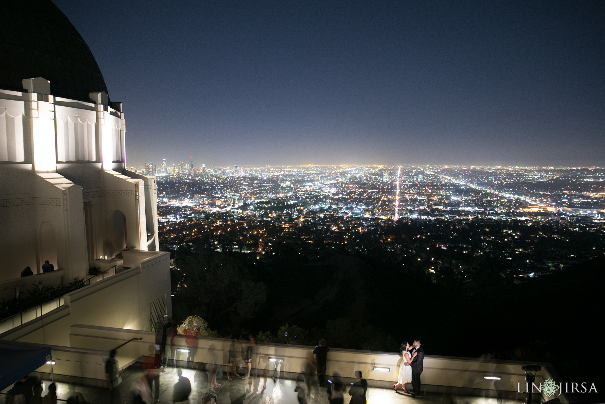 07-los-angeles-griffith-observatory-engagement-photography