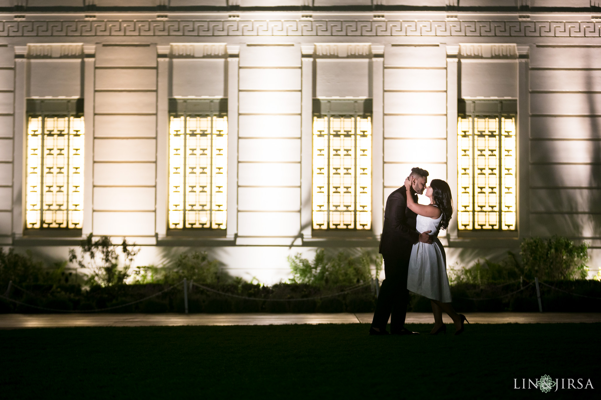 10-los-angeles-griffith-observatory-engagement-photography