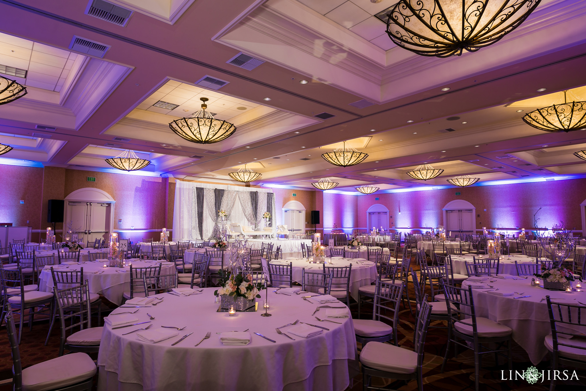 14-doubletree-anaheim-indian-fusion-wedding-reception-photography