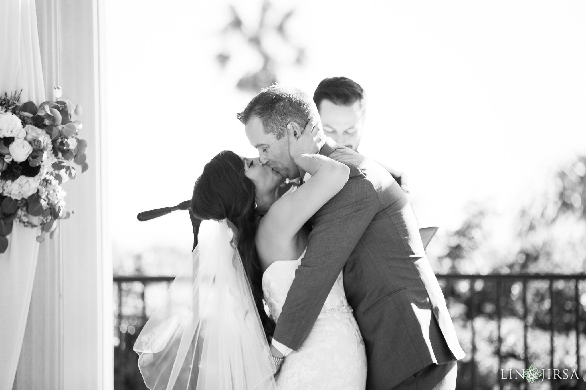 26-newport-beach-marriott-wedding-photography