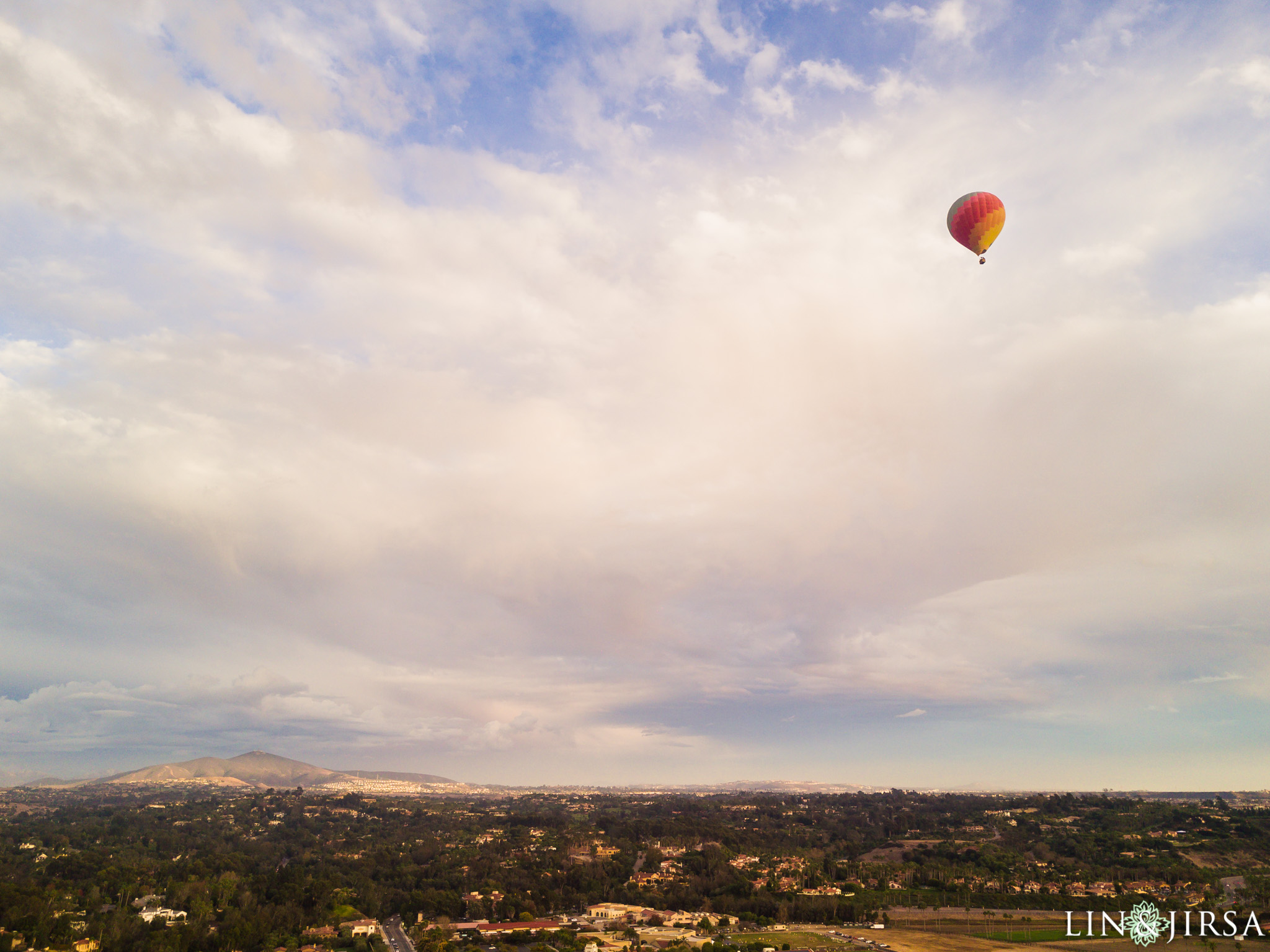 05 hot air balloon san diego engagement photography