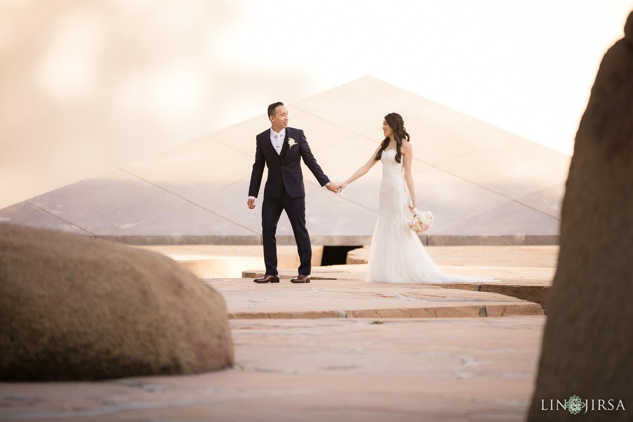 21 hilton costa mesa bride groom wedding photography
