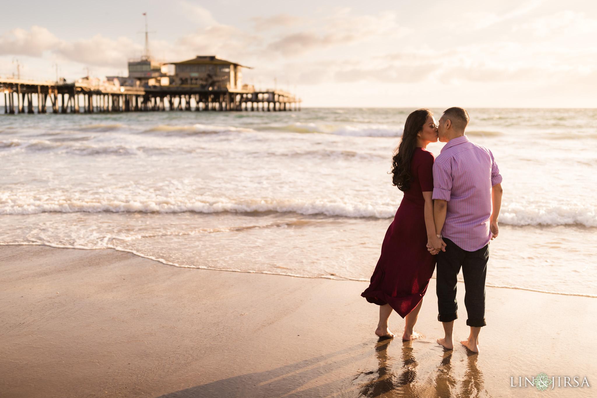 09 santa monica pier beach engagement photography
