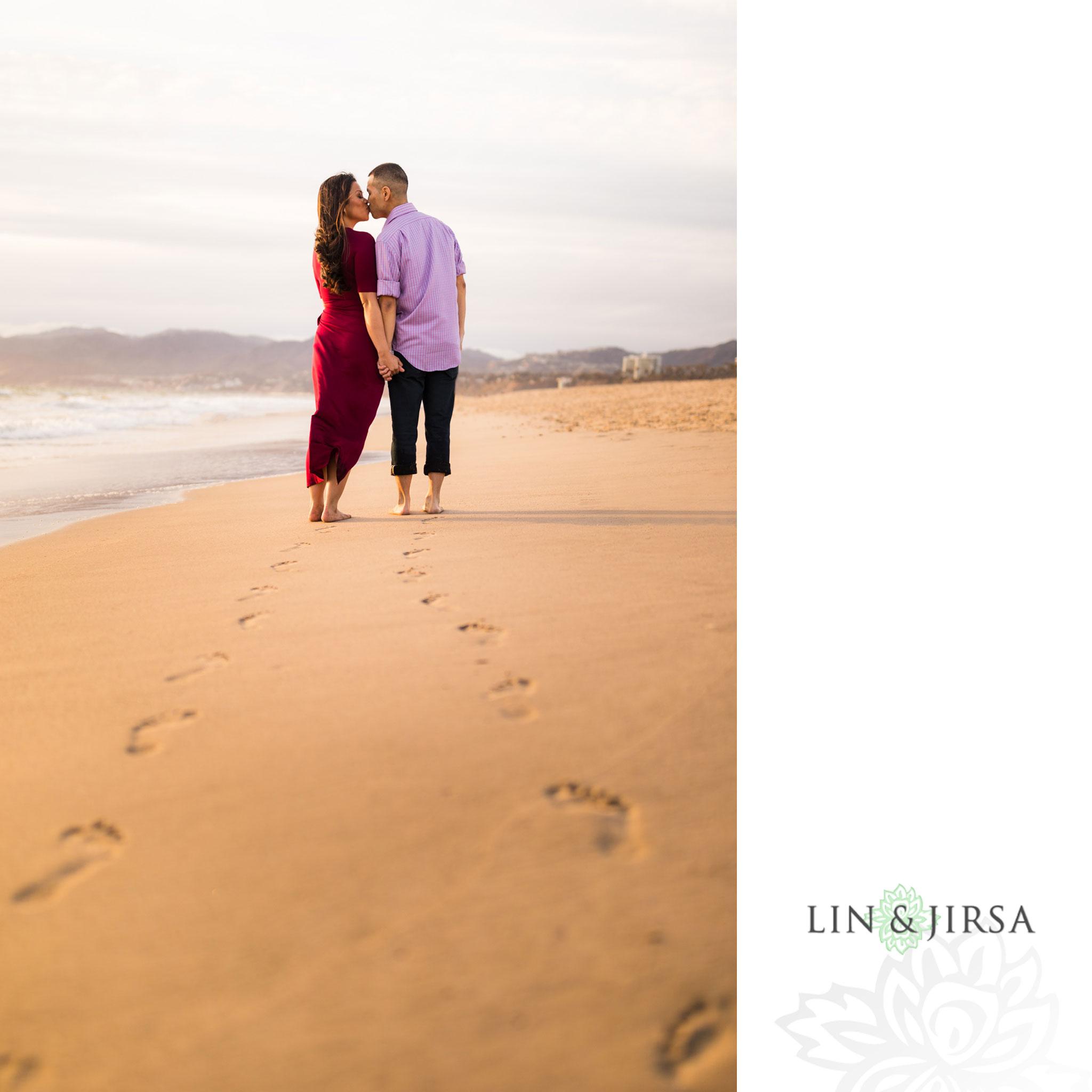 12 santa monica pier beach engagement photography