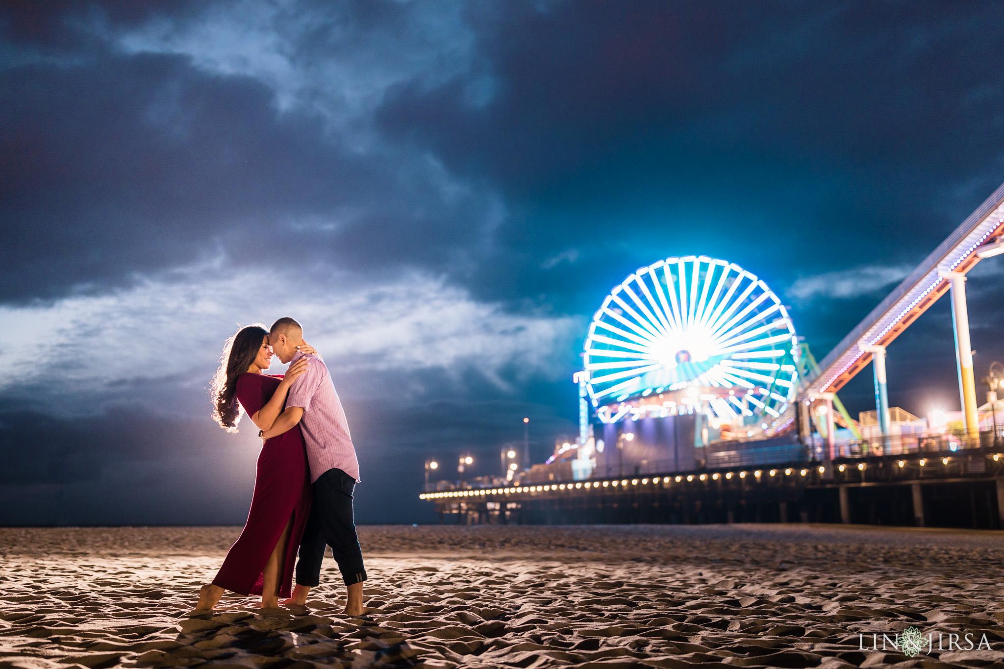 16 santa monica pier beach engagement photography