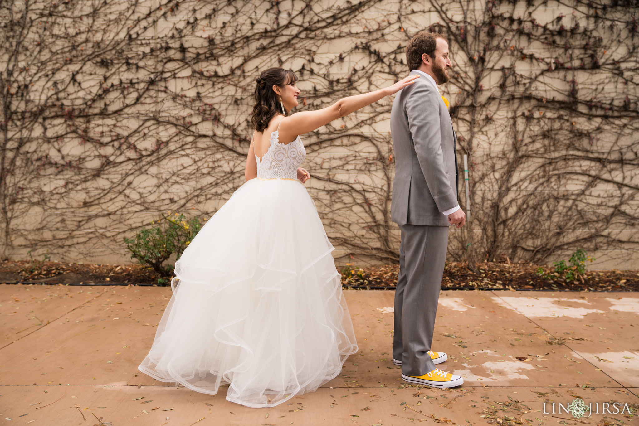 12 leoness cellars temecula first look wedding photography