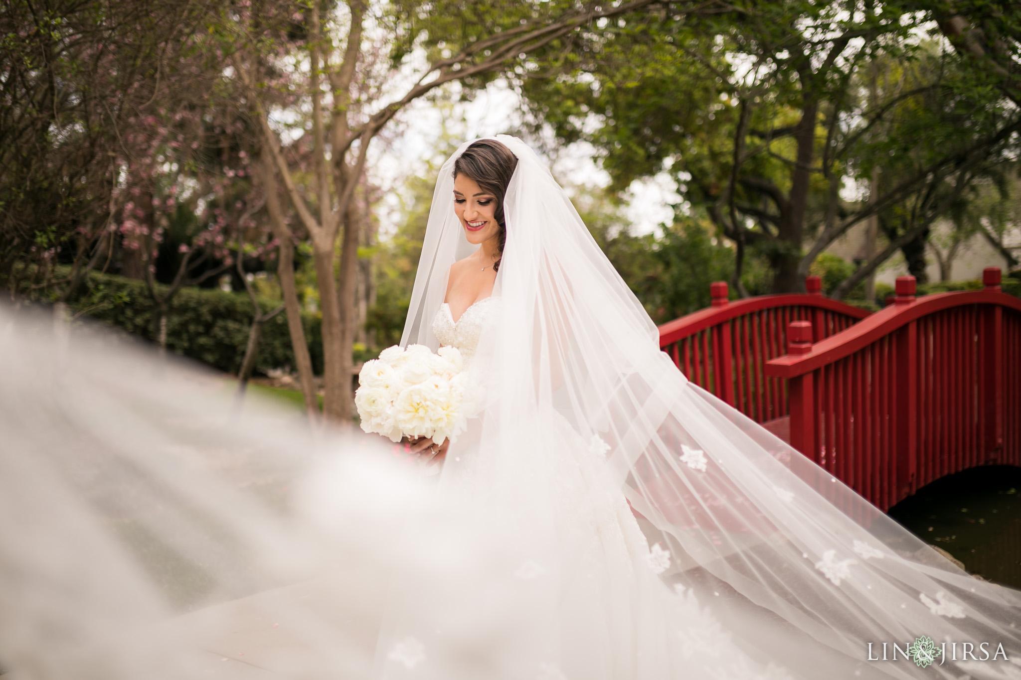 13 langham huntington pasadena bride veil wedding photography