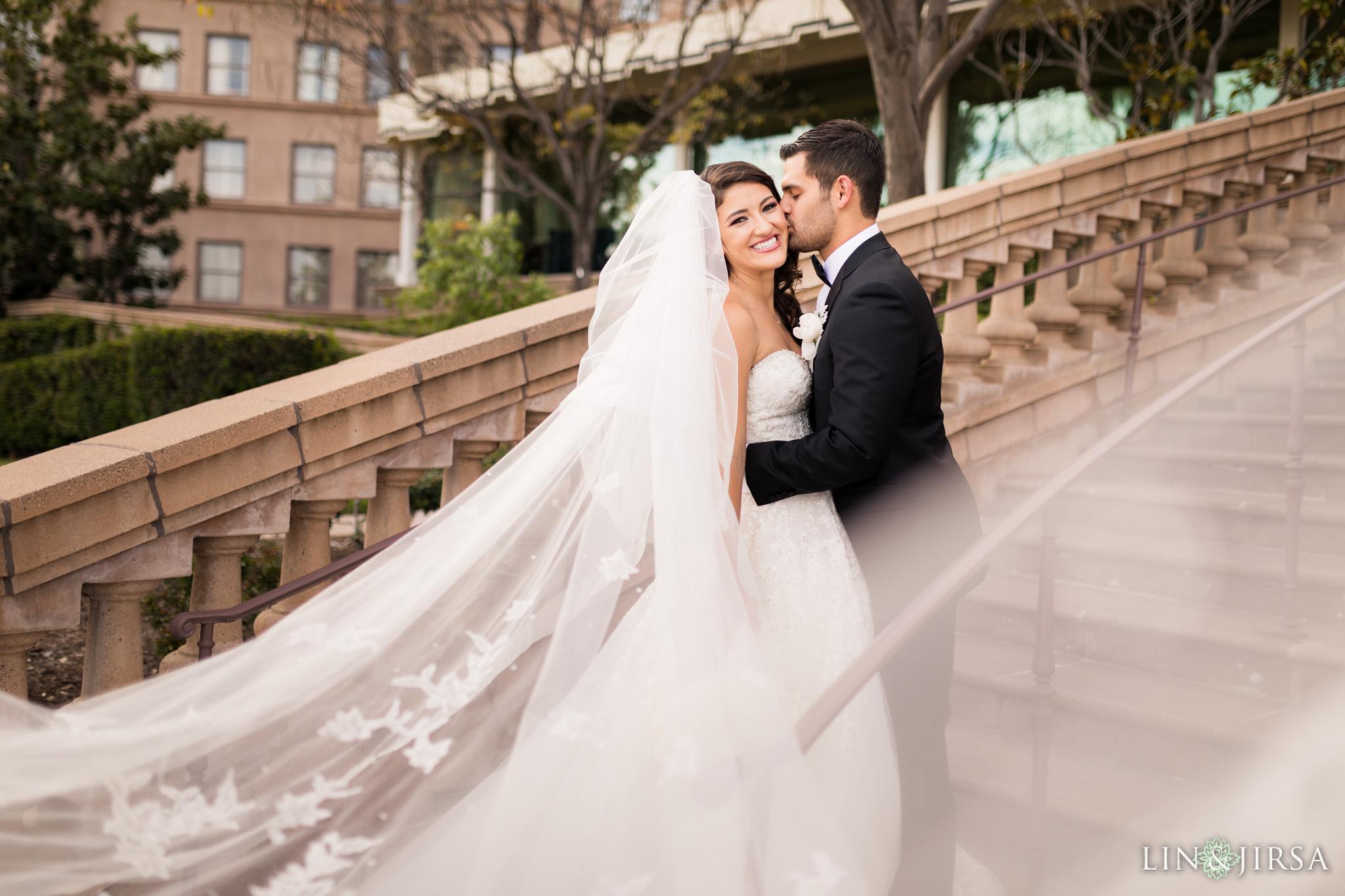 32 langham huntington pasadena wedding veil couple photography