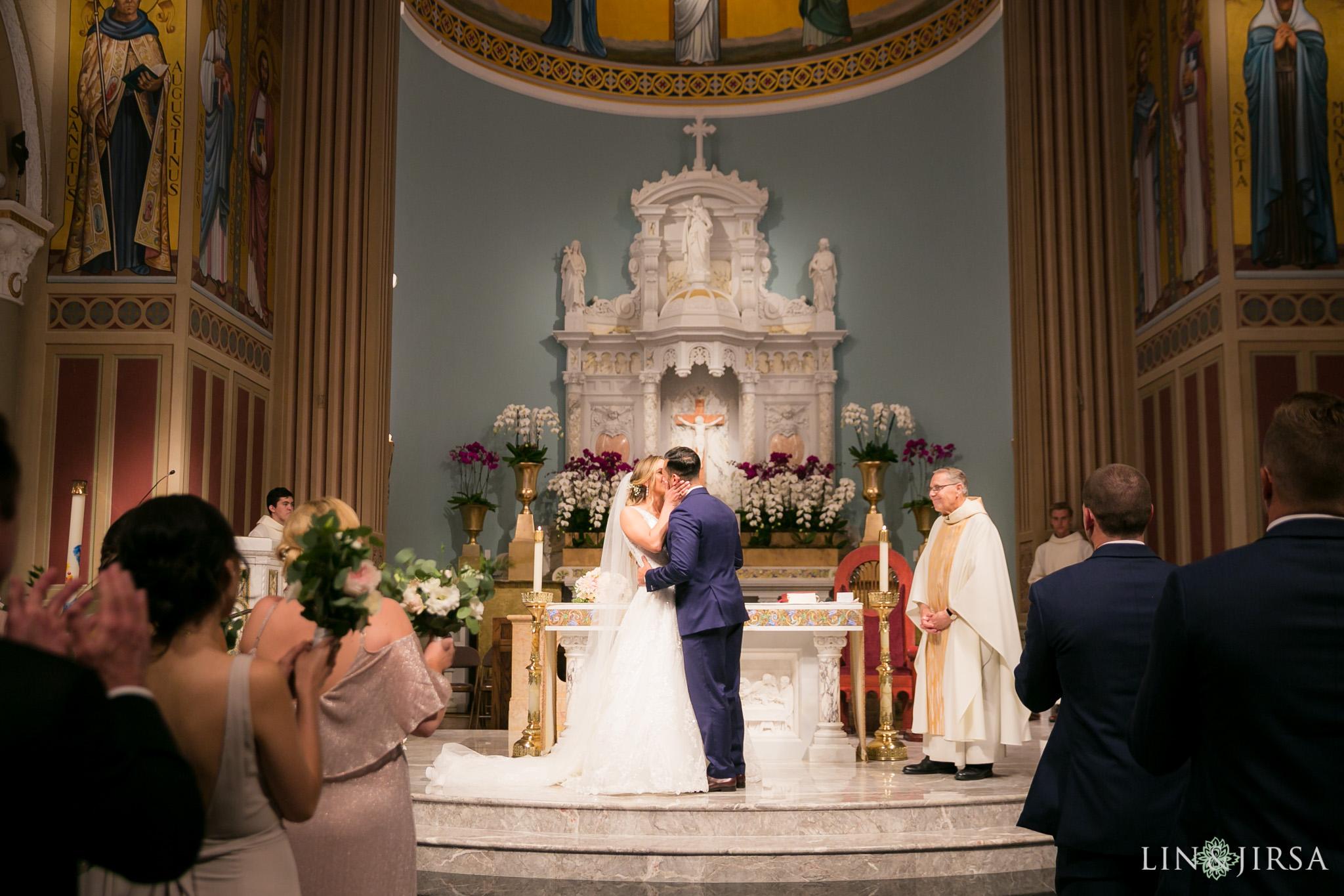 39 stmonica catholic church santa monica wedding ceremony photography