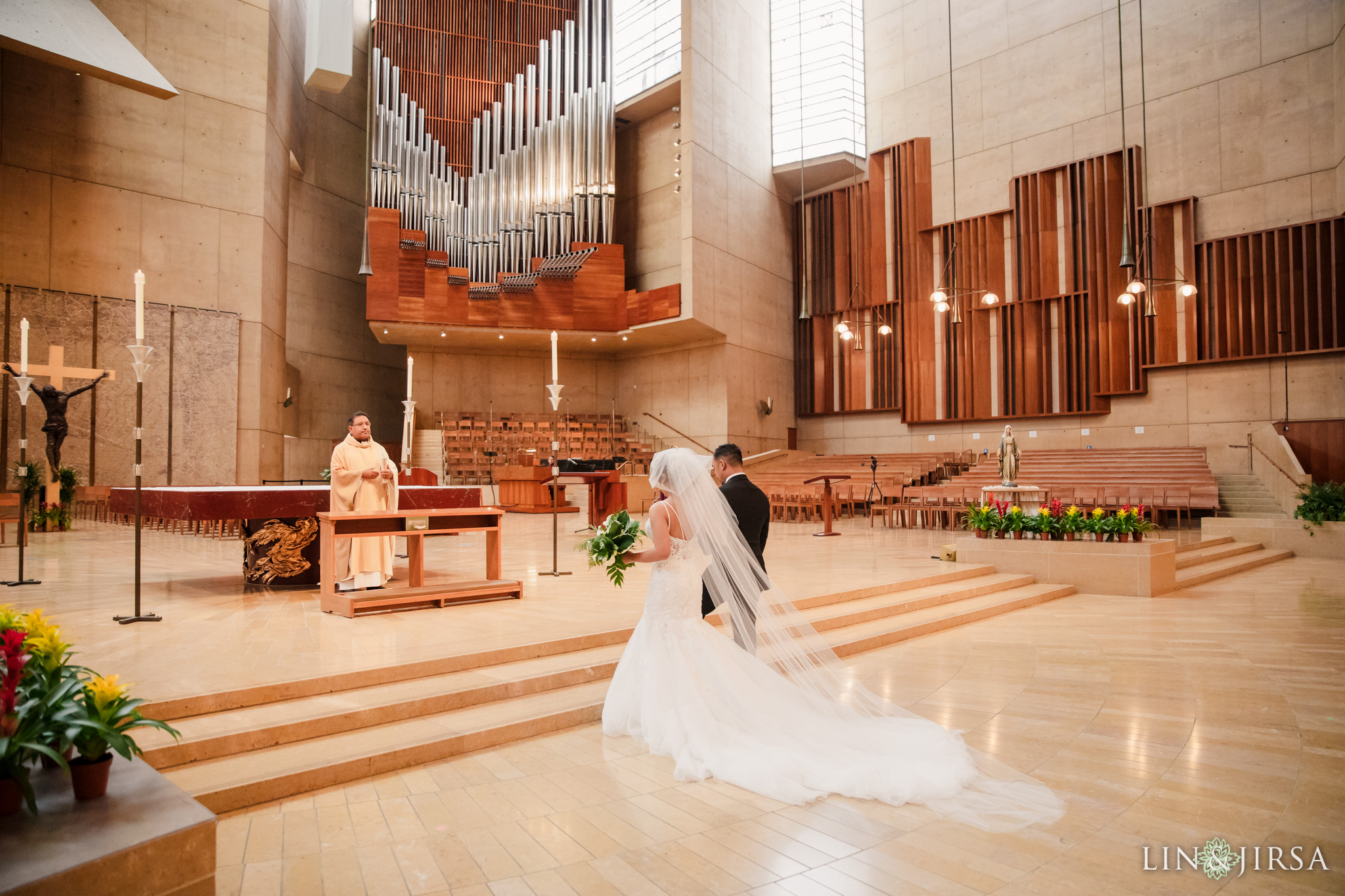 023 cathedral of our lady of angels los angeles wedding ceremony photography