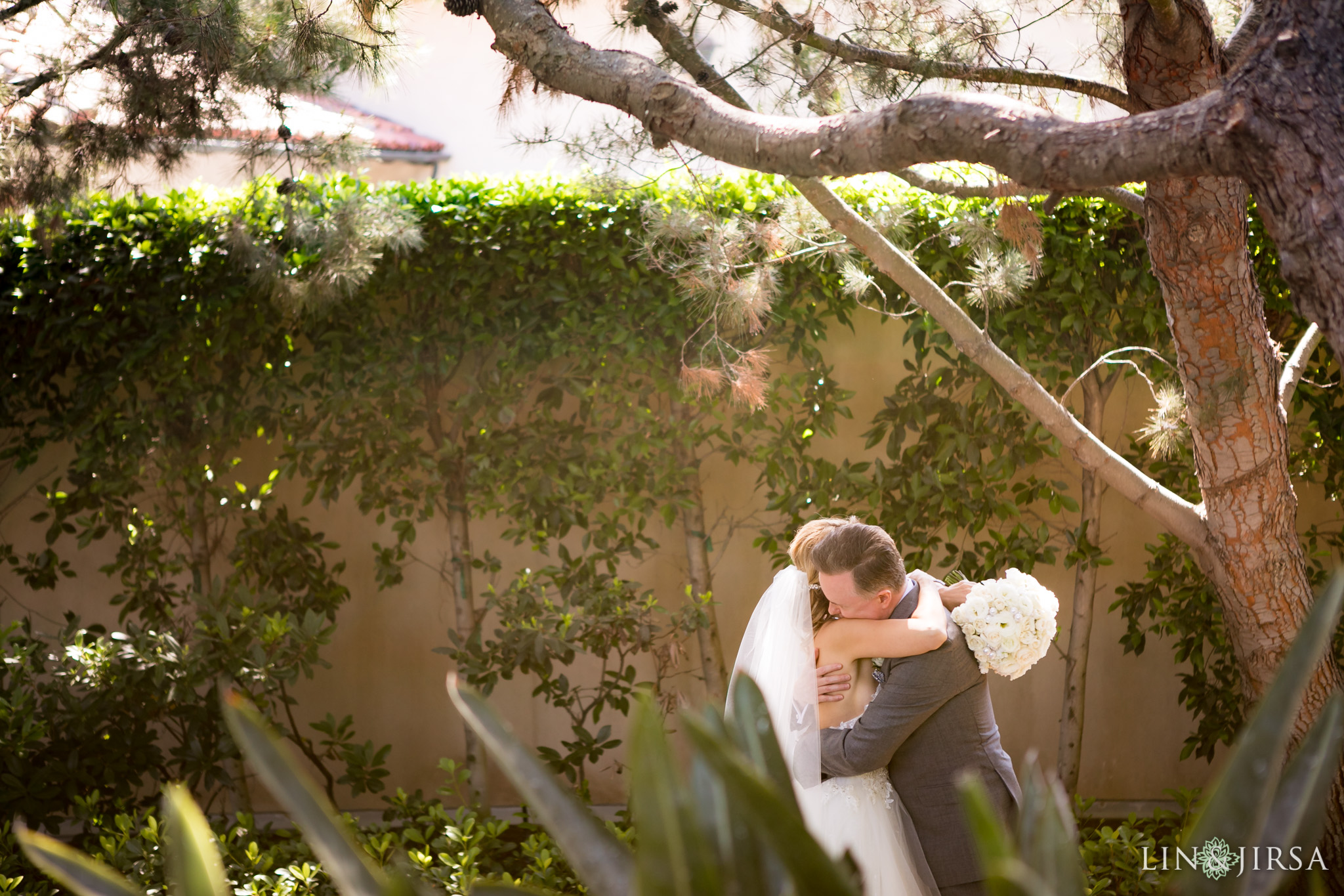 13 pelican hill resort newport coast first look wedding photography