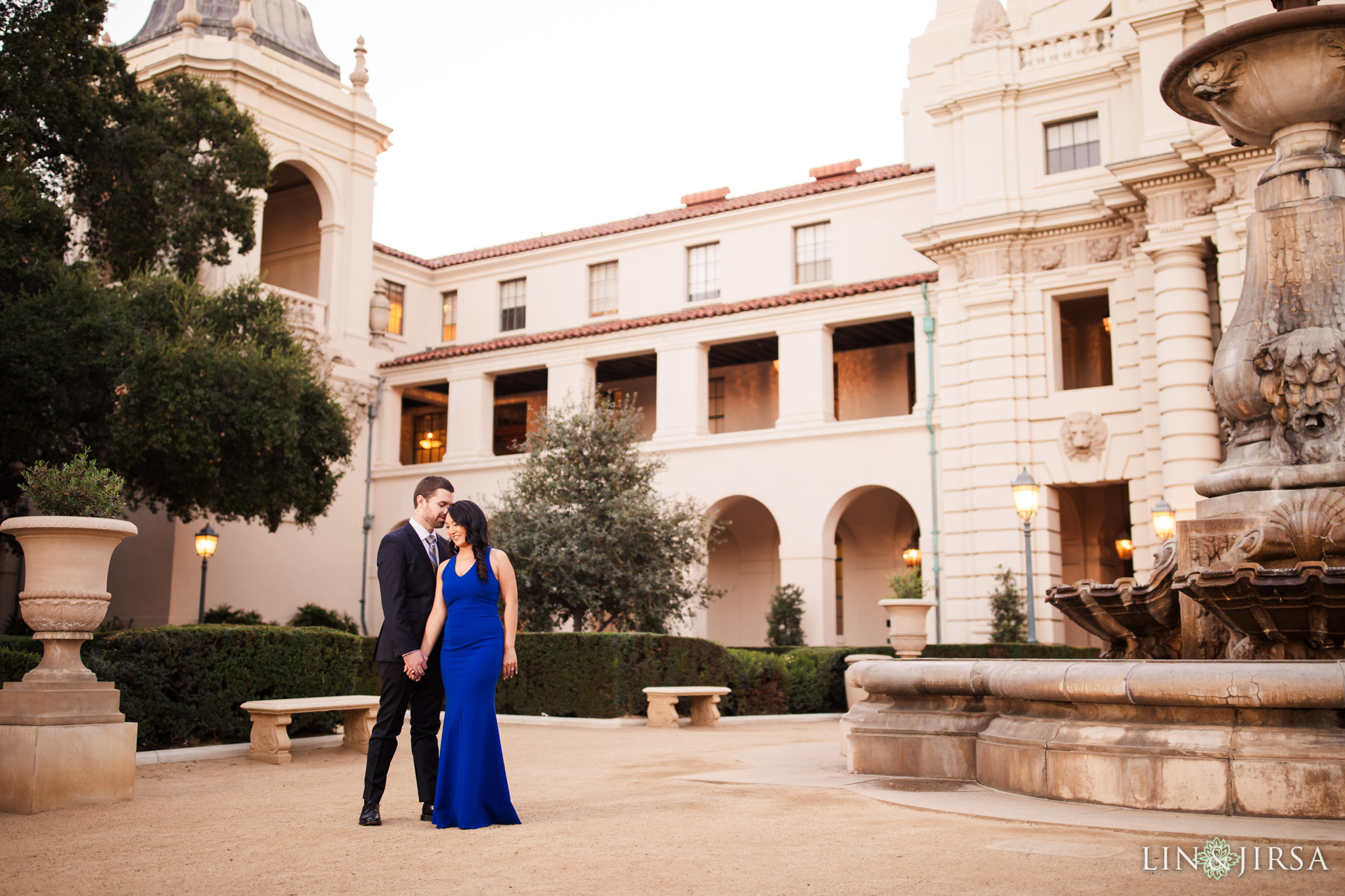 07 pasadena city hall engagement photography