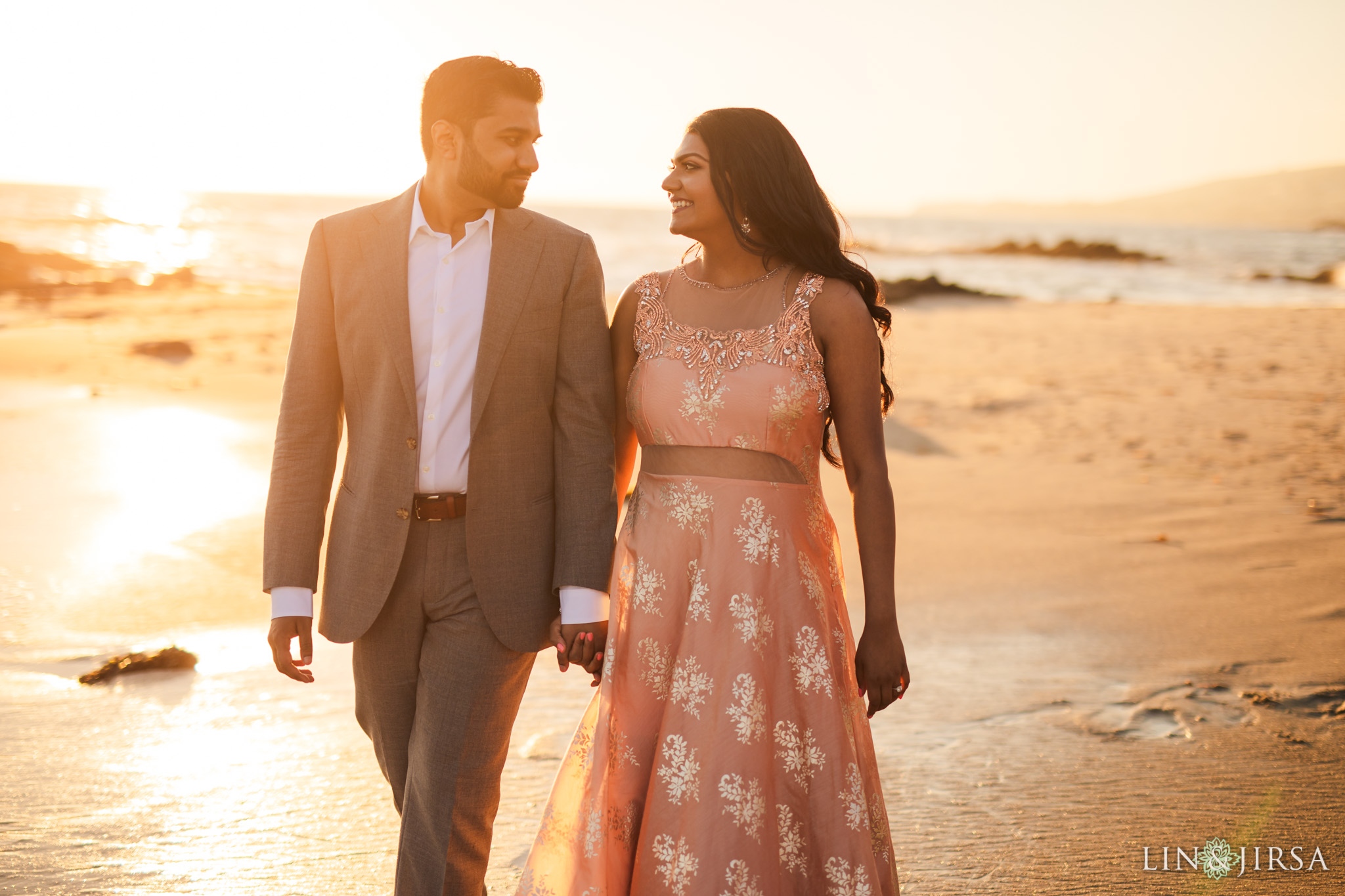 05 victoria beach indian couple engagement photography