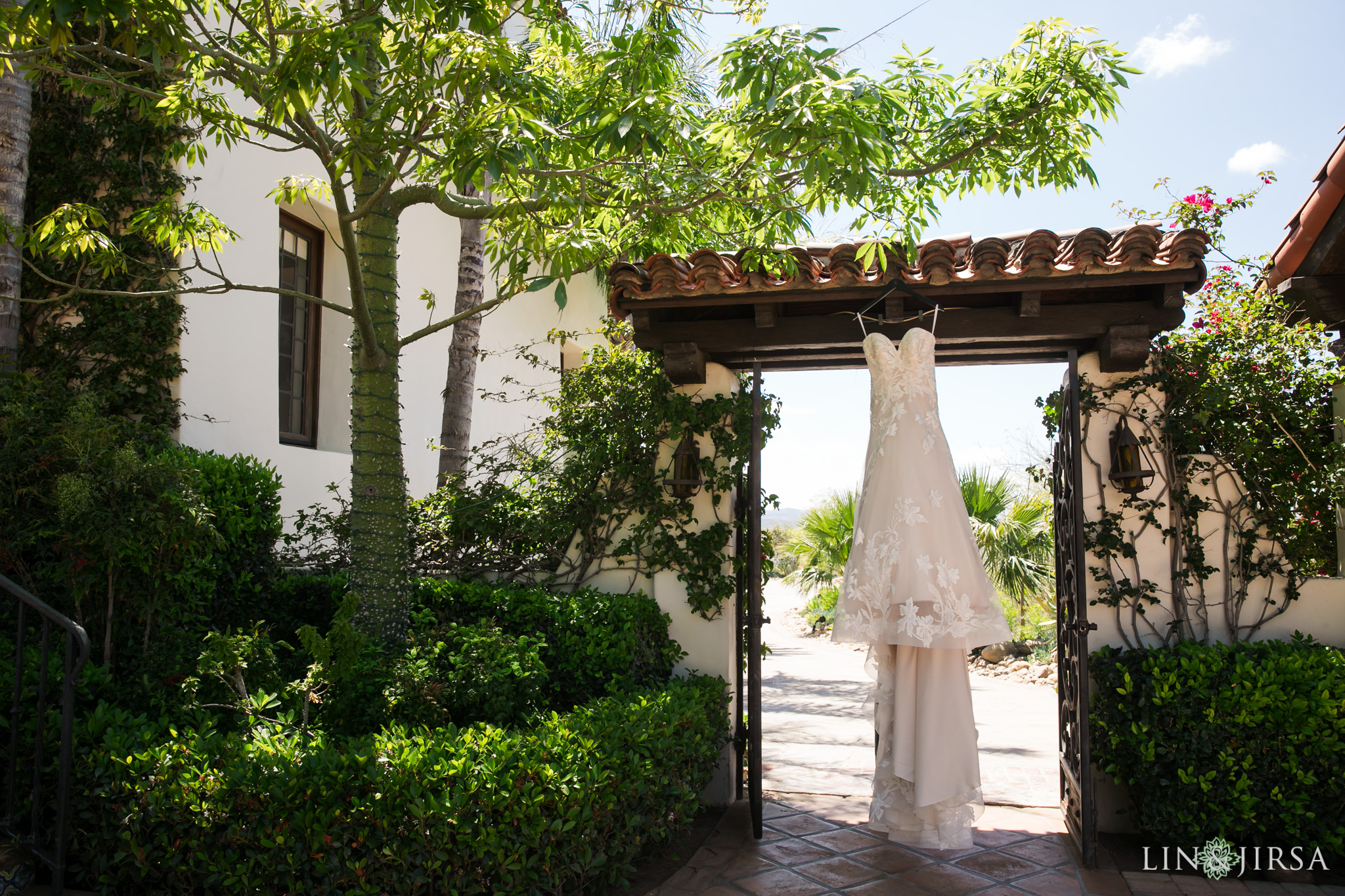 02 Hummingbird Nest Ranch Simi Valley Wedding Photography