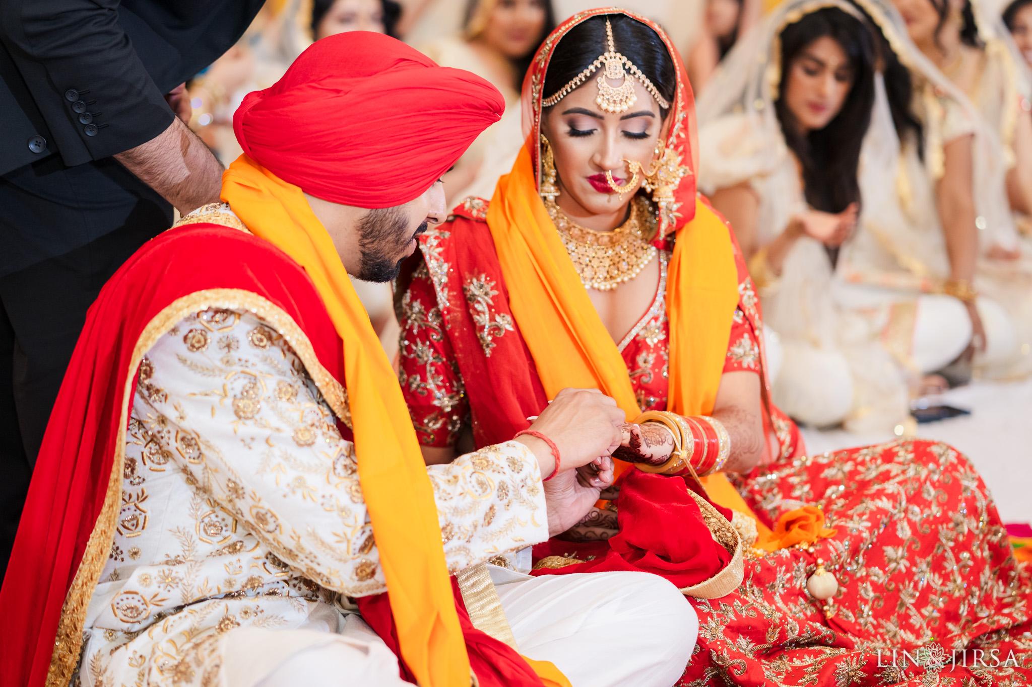 14 Hotel Irvine Punjabi Hindu Indian Wedding Photography