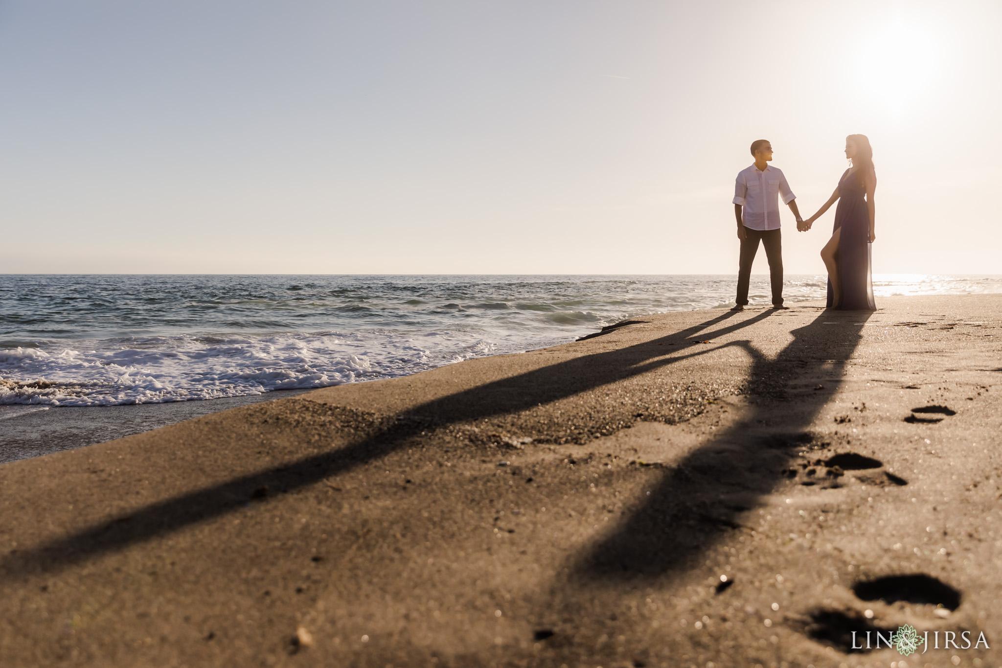 10 Victoria Beach Sunset Engagement Photographer