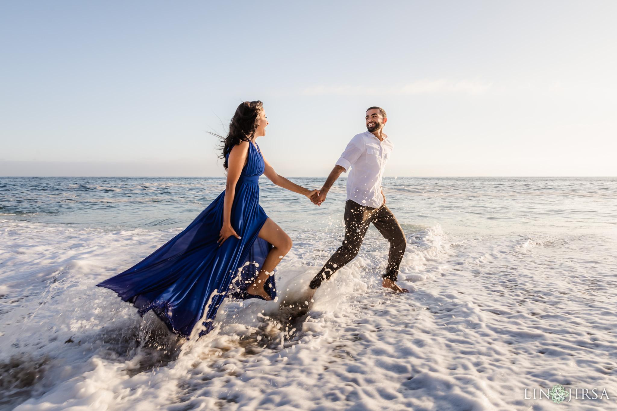 12 Victoria Beach Sunset Engagement Photographer
