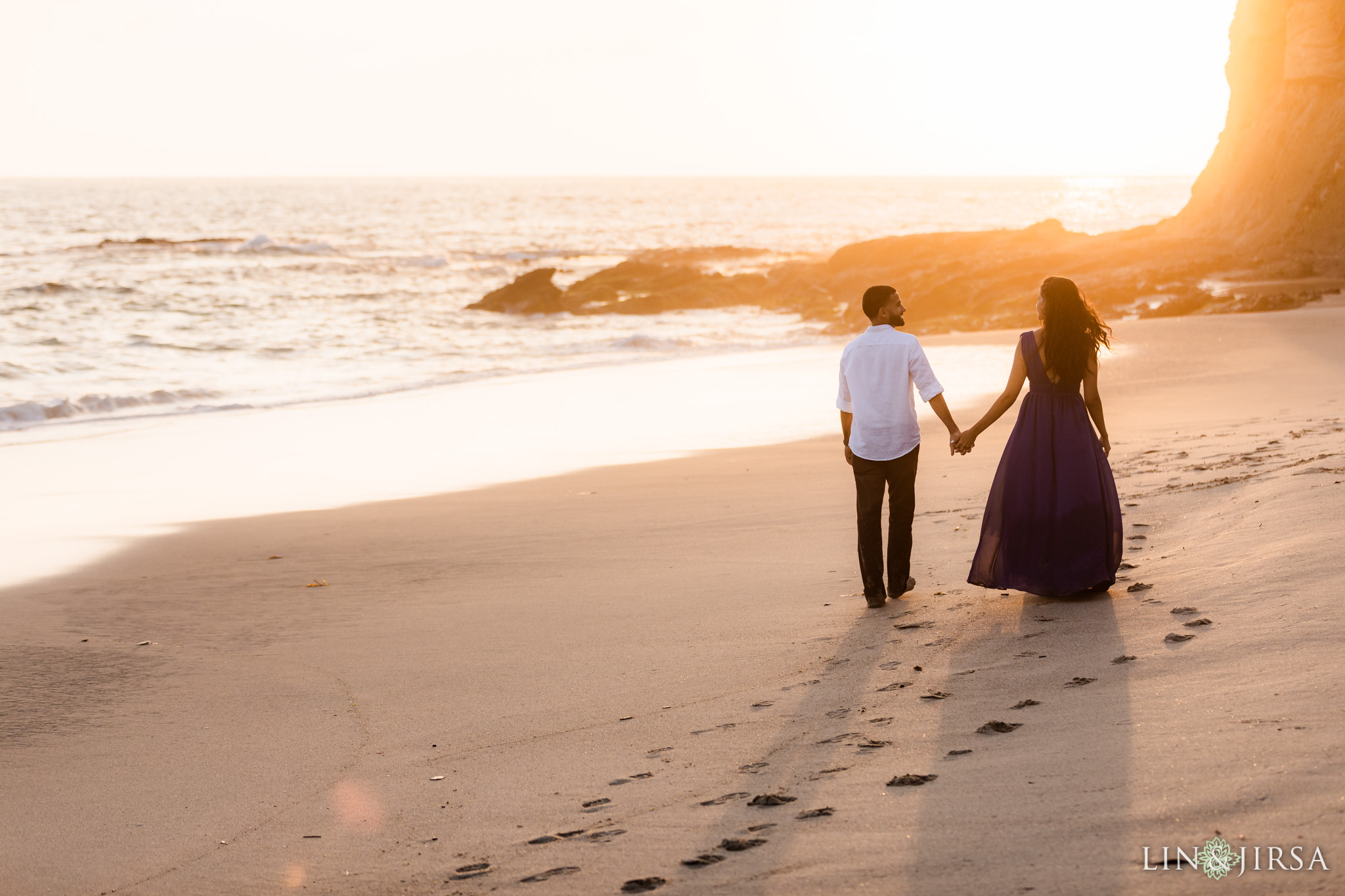 14 Victoria Beach Sunset Engagement Photographer