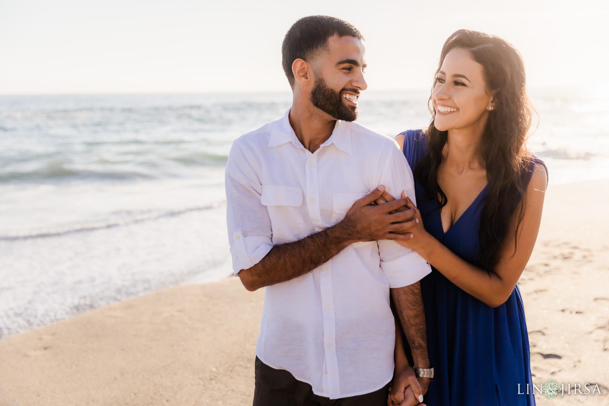 15 Victoria Beach Sunset Engagement Photographer