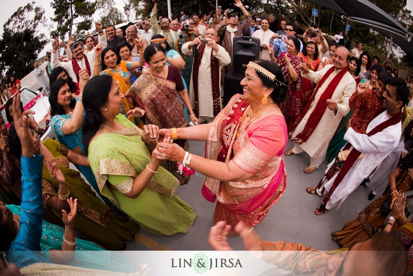 4-baraat-indian-wedding