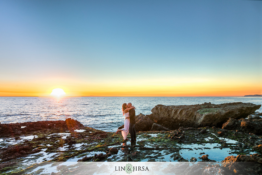 08-laguna-beach-engagement-photos
