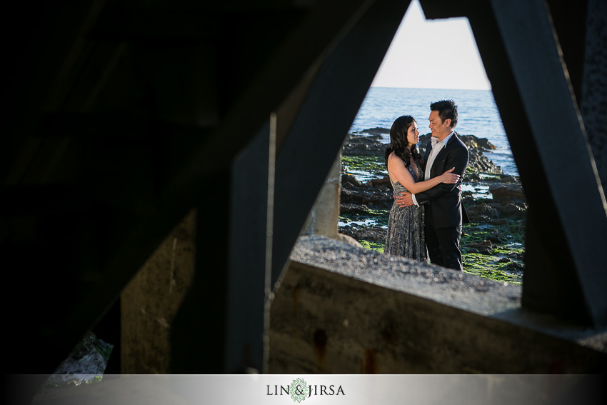 04-laguna-beach-engagement-photos