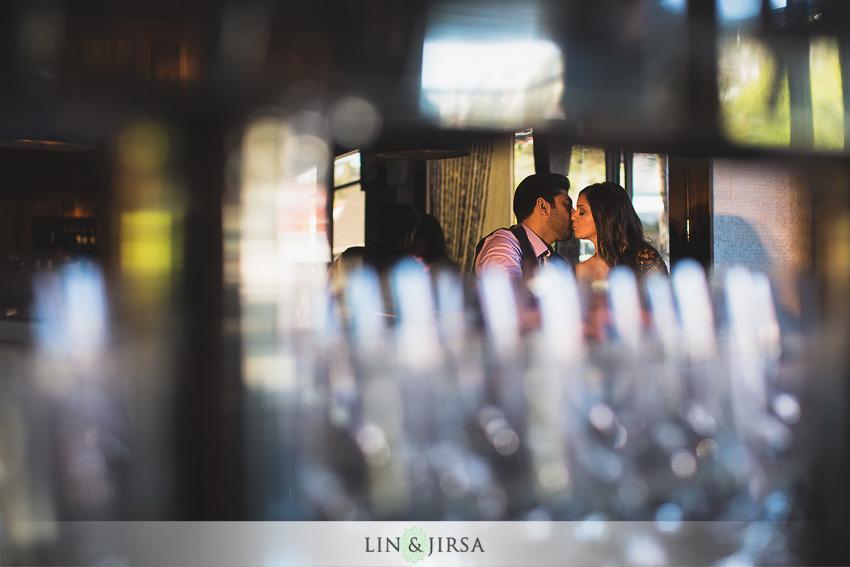 05-romantic-engagement-photos