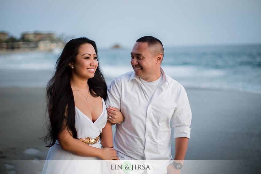 06-victoria-beach-engagement-photographer