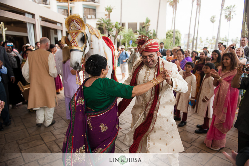 11-crowne-plaza-redondo-beach-wedding-photographer