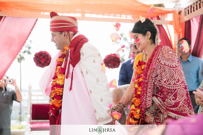 17-crowne-plaza-redondo-beach-wedding-photographer