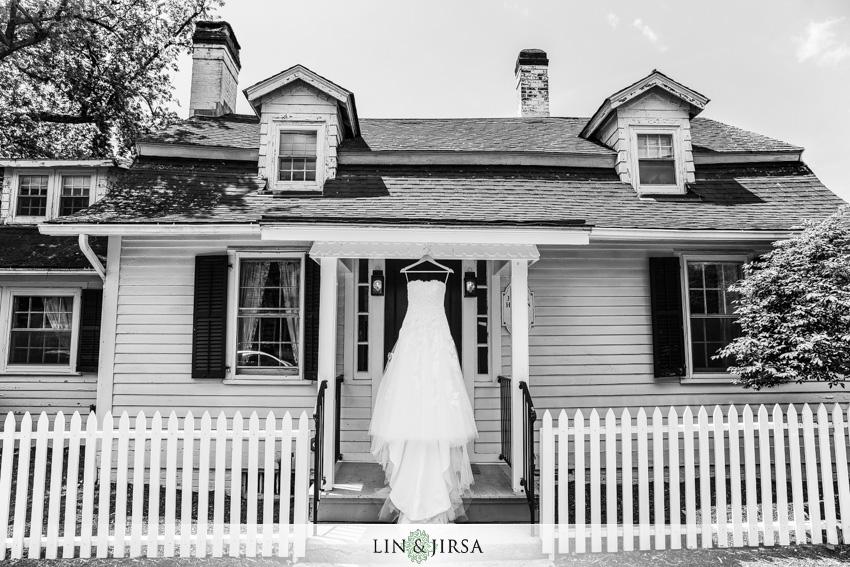 01-destination-wedding-photographer-wedding-dress