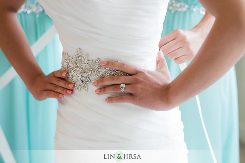 03-the-villa-westminster-wedding-photographer-wedding-bouquet